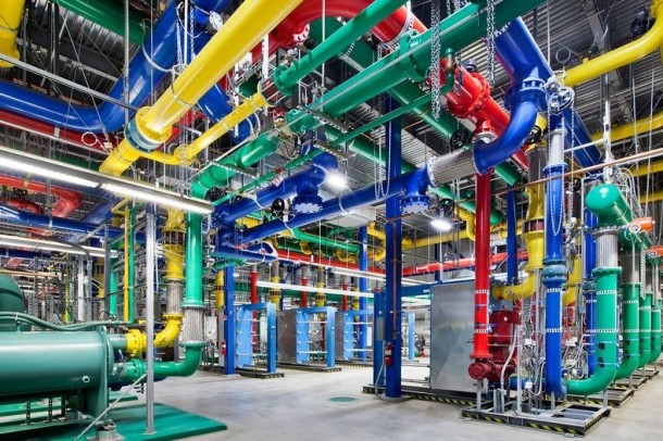 Take-a-Look-–-Google-Data-Centre-5-610x406