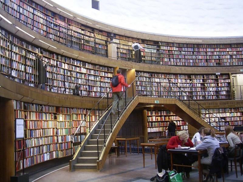 egitimteknolojinet_Stockholm_merkez_kütüphane (7)